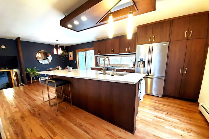 MCM Home in Greater Milwaukee Area