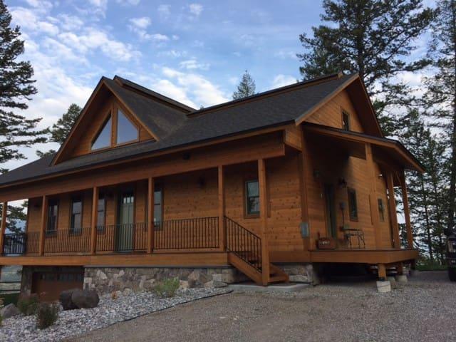 Enjoy Mountain Cabin in Private Neighborhood