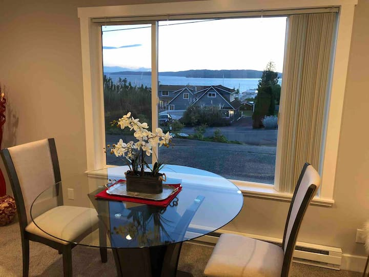 Saltwater Suite Sound views and gardens await you!