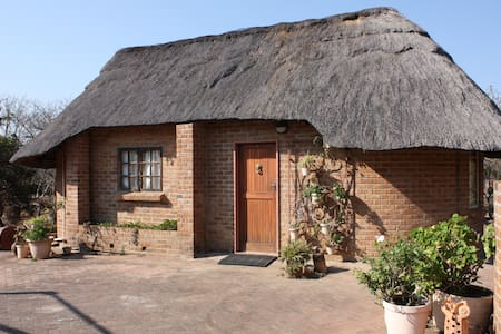 Marigold & Clover Cottages - Bulawayo
