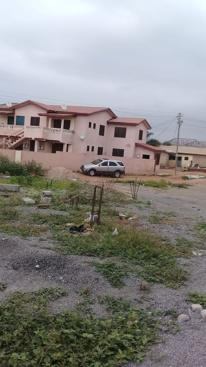 A 2 bedroom apartment located in Tema Kakasunanka