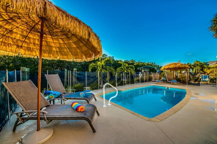Roelens Vacations - The Melville - Fort Myers Beach