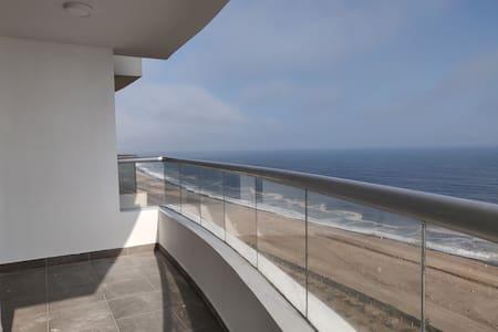 Exclusive apartment facing the sea - 84m2