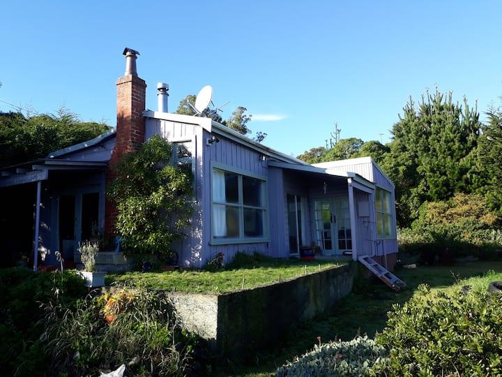 Otago Peninsula Holiday Cottage at Otakou