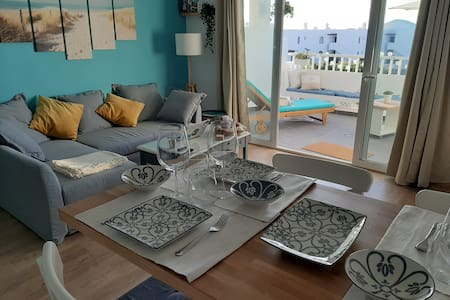Summer apartment w/ swimming pool nearby the beach