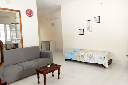 One bedroom apartment near Jayanagar Metro station