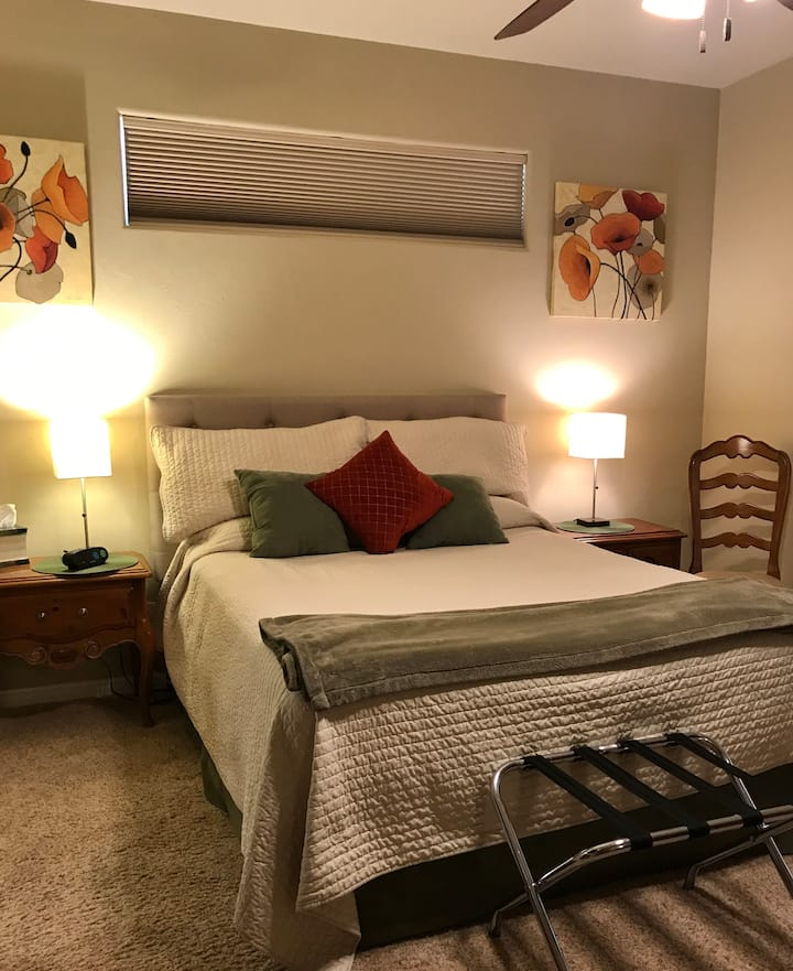Red Mtn Mstr Suite and Spa w/hot tub n fire pit(B)