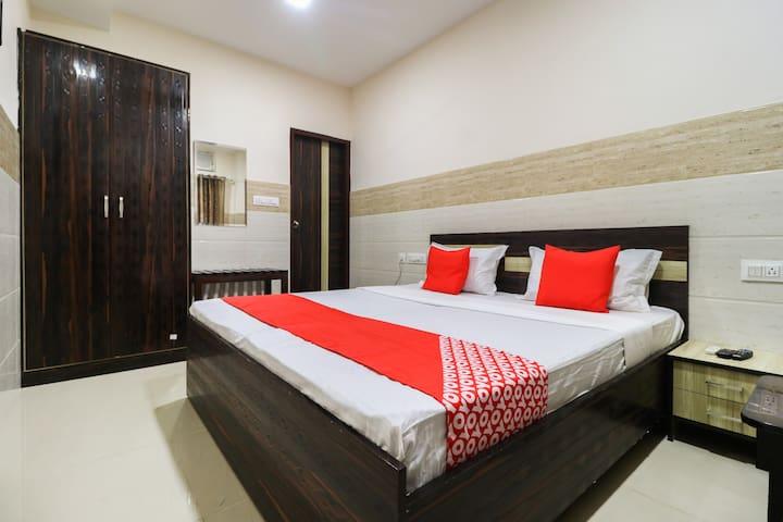 OYO Classic 1 BR Lavish Stay In Jalandhar