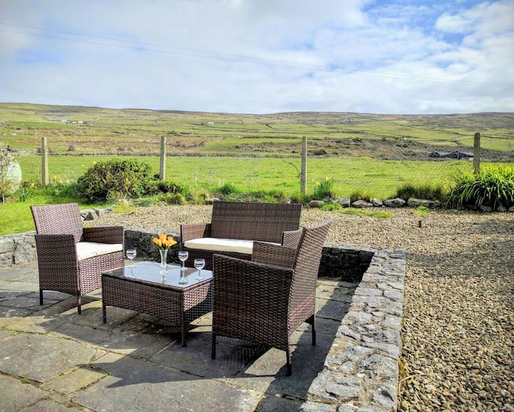 ★ Relaxed Getaway |Beach & Mountains| The Burren ★