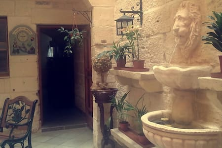 A Charming Traditional Maltese Townhouse - Mosta