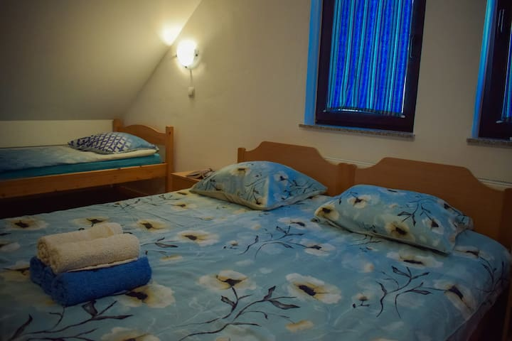 Holiday Home Zevnik - Five Single Bed Room