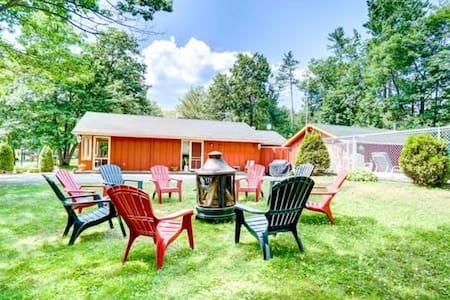 The Cozy Cottage / Chalet le Cozy - Luskville