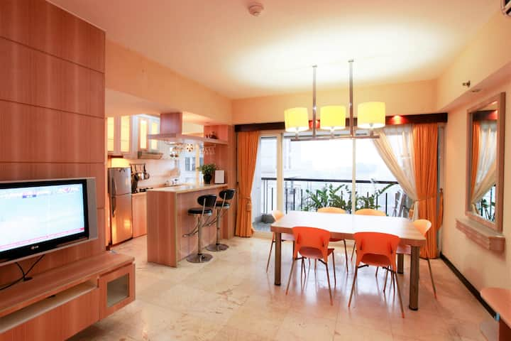 Braga City Walk 3BR Apartment - Homy & Spacious