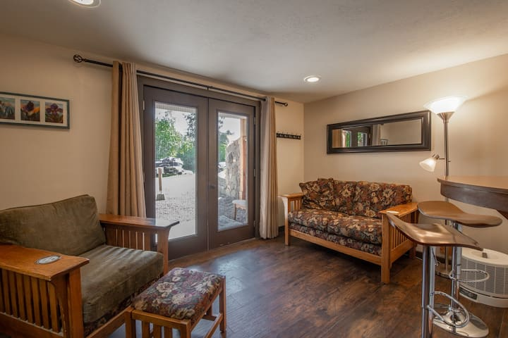 Sandpoint Suite 1 ★ Water Nature Relax ★ 2mi to DT