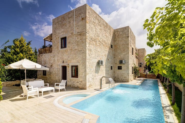 Traditional villa, modern design, playground, g... - Agia Pelagia - Villa
