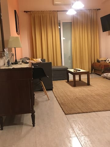 Central Luxury 2-Bedroom Apartment