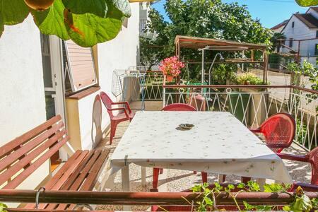TH03000 Apartment Mira / A1 - Zadar