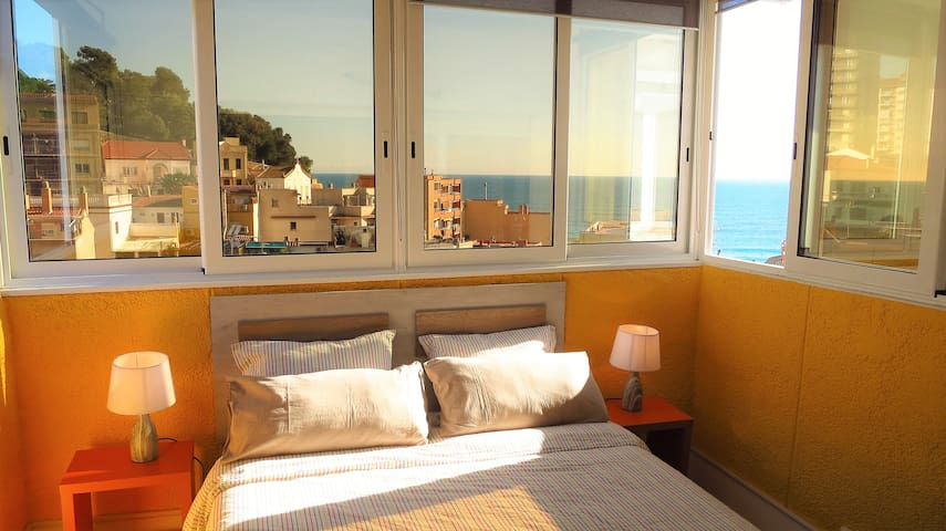 CLAIRE SEAVIEW & BEACH-duplex-apartment - Montgat - Flat