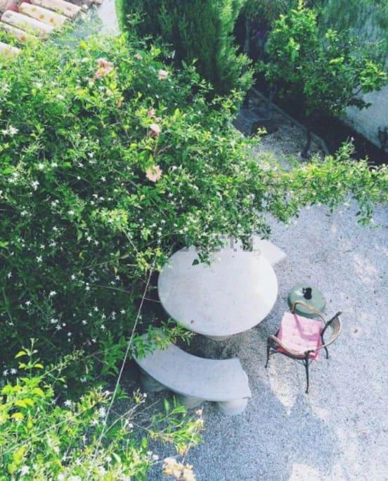 Para comer en el jardin