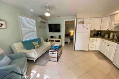 Recently remodeled. Fully appliance kitchen! Granite tops. Enjoy Widescreen TV/DVD from recliner and futon. Enjoy cable TV & DVD movie collection. 5G hi speed WiFi. Free calling anywhere in USA/Canada.