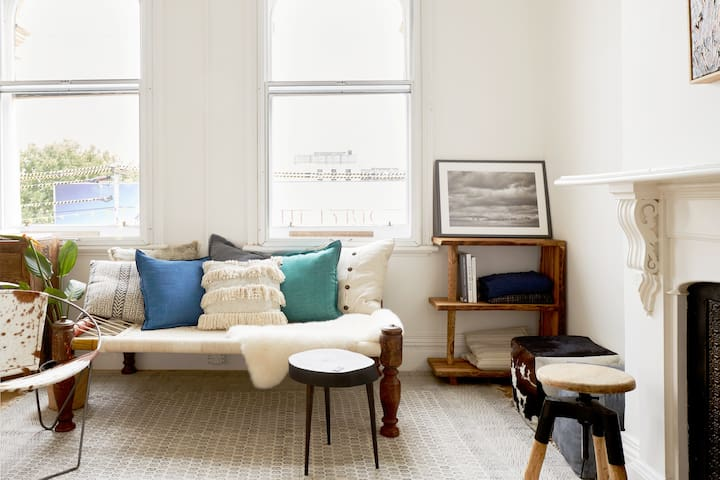 Stunning, Curated Concept Apartment in Fitzroy