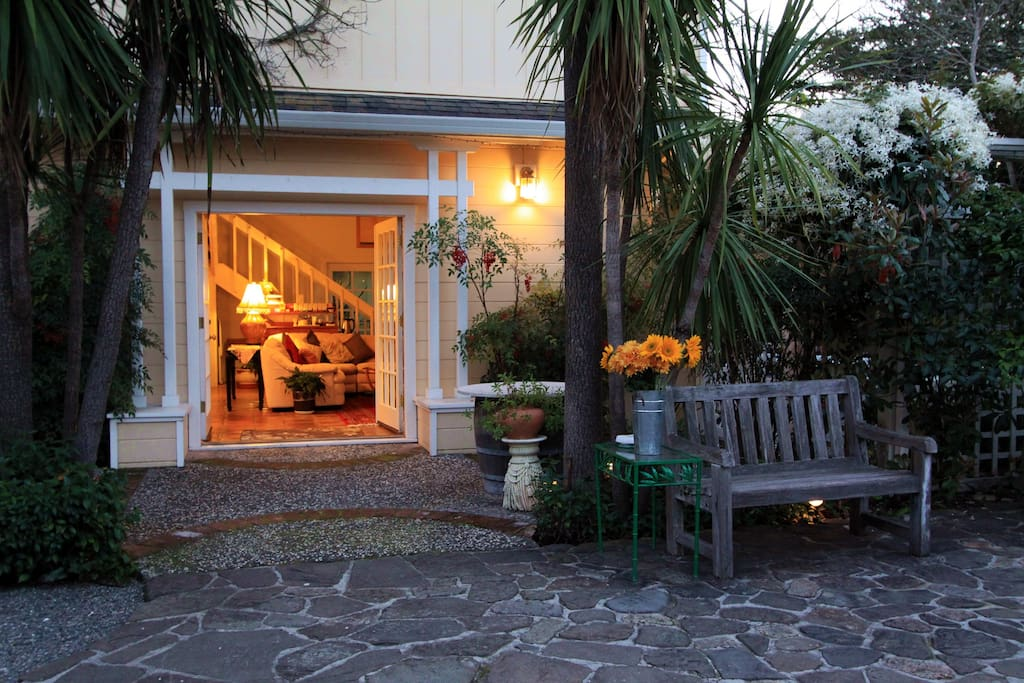 Welcome to the Palisades Suite at Chelsea Garden Inn - your new home away from home in Calistoga. Come on in! (This picture is of the front door to your suite)