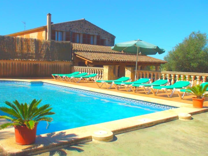 M4V2500 Finca mit Pool bei Campos; max. 8 Pers.