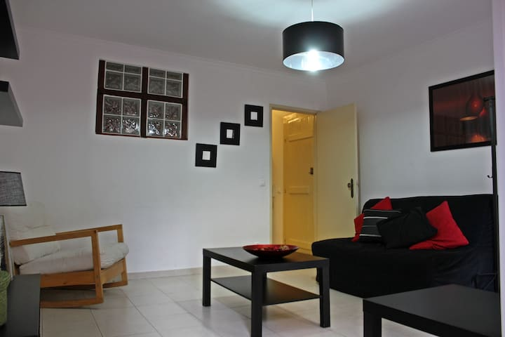 Modern Downtown Alfama Apartment. 5min from Center