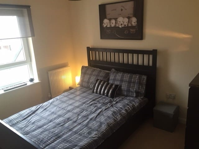 Bright Double Room to Rent £400 PCM