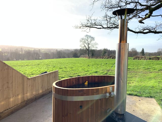 Abbey View Cottage - Scandi Hot Tub - EV Charging