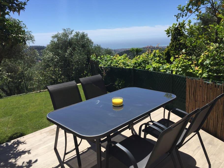 Casa Con Giardino Imperia : Casa panorama con giardino apartments for rent in diano