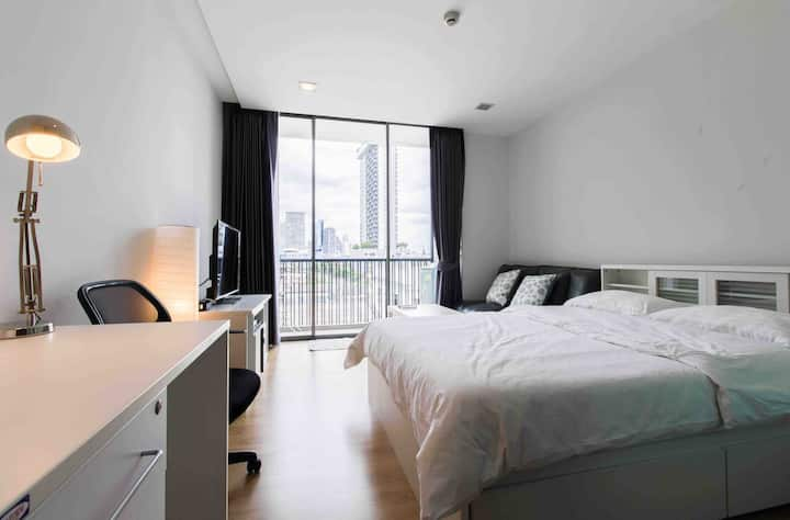 Studio Room at Central Bkk, 15 mins walk from BTS