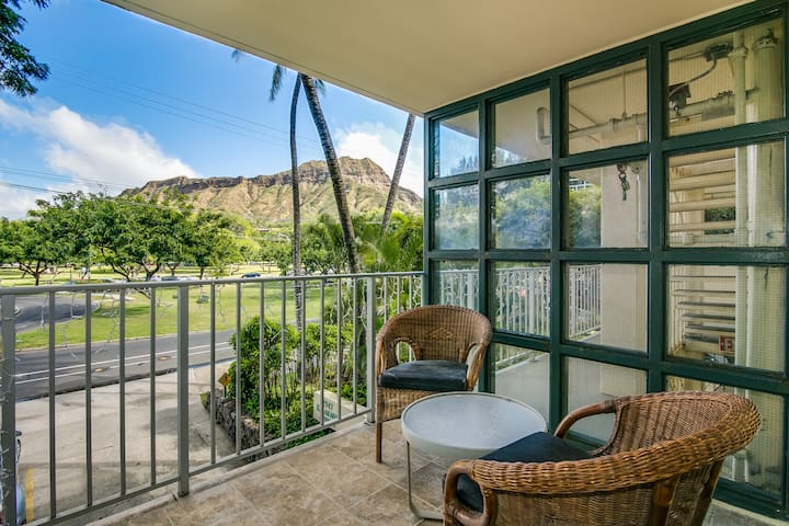 1 Bedroom Lanai Suite with Queen Bed & Sofabed
