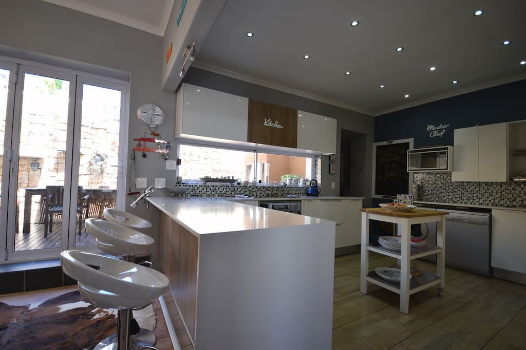 Open Plan Kitchen and breakfast counter