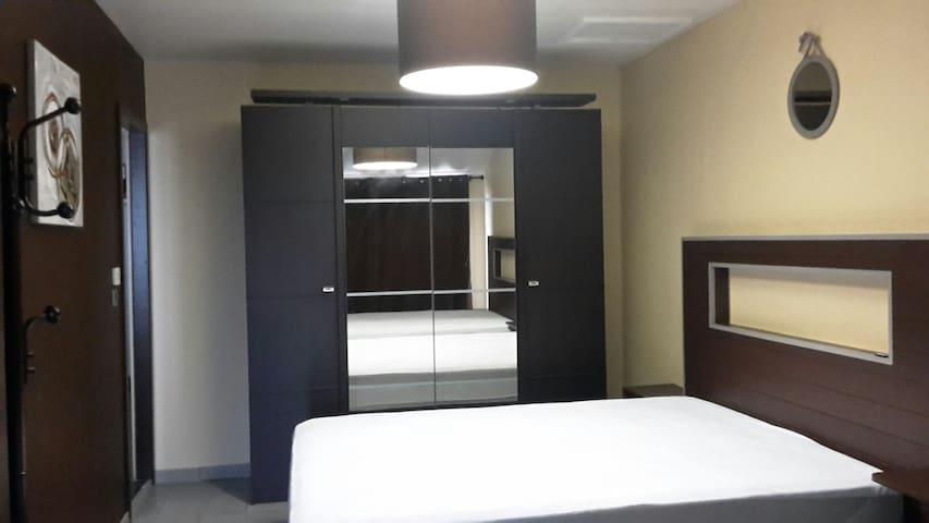 Chambre privée   prés à Albi-Cordes sur Ciel.81400 - Labastide-Gabausse - Casa