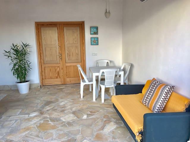 Suite 2 in villa con piscina comunitaria
