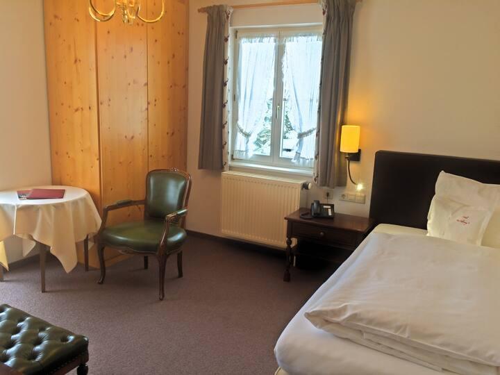 Adlerweg 9 - das Bed and Breakfast, (Hinterzarten), Einzelzimmer Kirchwald