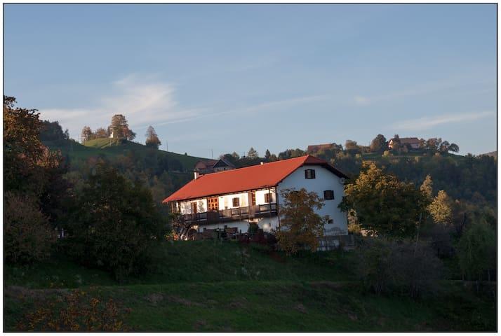 Izletniška kmetija Žunko - Srednje - Rumah