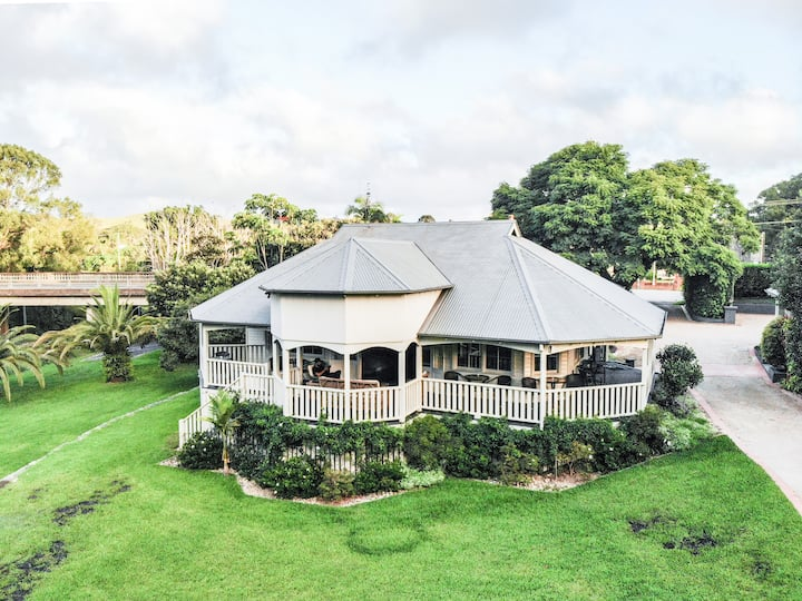 Bangalow Guesthouse - Joseph Snow Suite