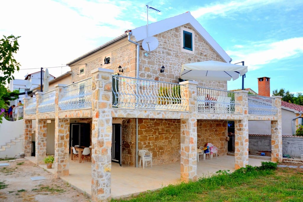 Authentic Croatian stone house by the sea built 1920-1924
