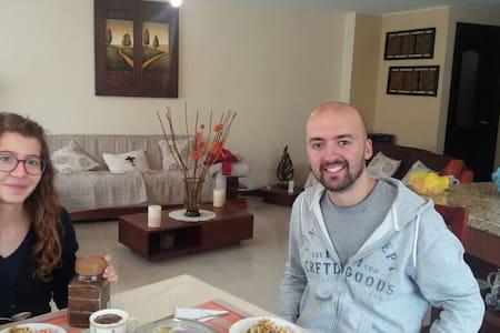 Ambato penthouse - Ambato - Bed & Breakfast