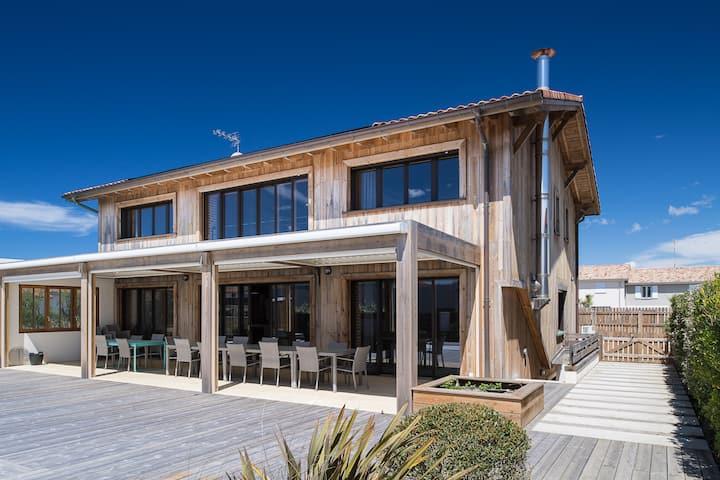 grande maison  très confortable a 100m de la plage