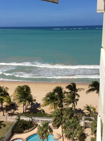 Spectacular Beachfront 2 Bedroom Ap - Carolina - Apartamento