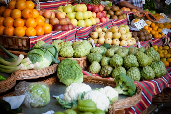 Jamaican fruit & veg  in the market
