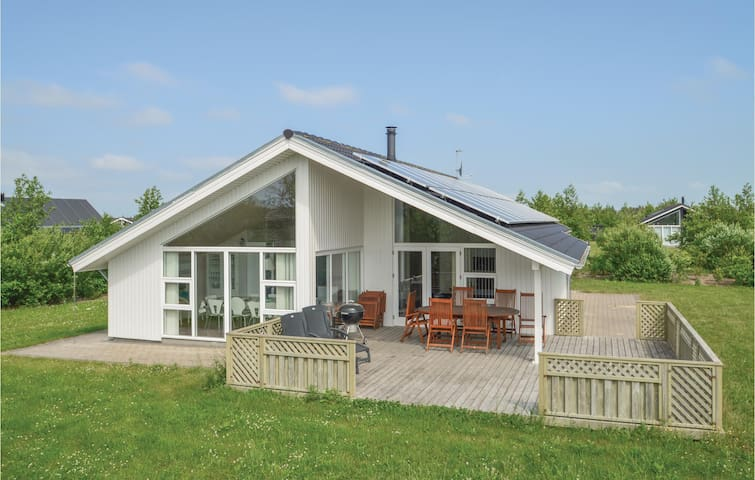 Holiday cottage with 3 bedrooms on 101m² in Brovst
