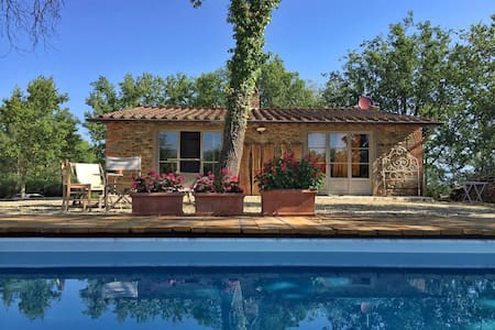Villa near Florence: Pool, AC, Vast natural garden - Provincia di Arezzo - Villa