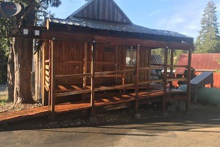 Beautiful one bedroom cabin