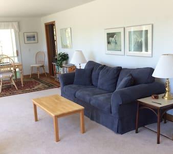 Quaint home with private Cape Cod bay beach - Brewster - Dům