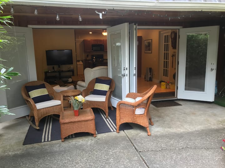 Cultus Lake Family Guesthouse!  Available 8/25-27