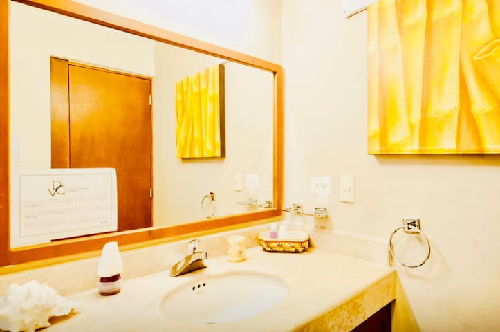Superior Comfort Room With Swimming Pool Air Conditioning and Parking